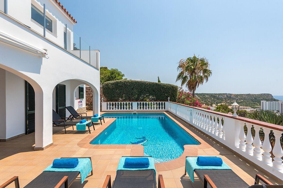 Villa del mar 2018 son bou holidays for Mar villa modelo